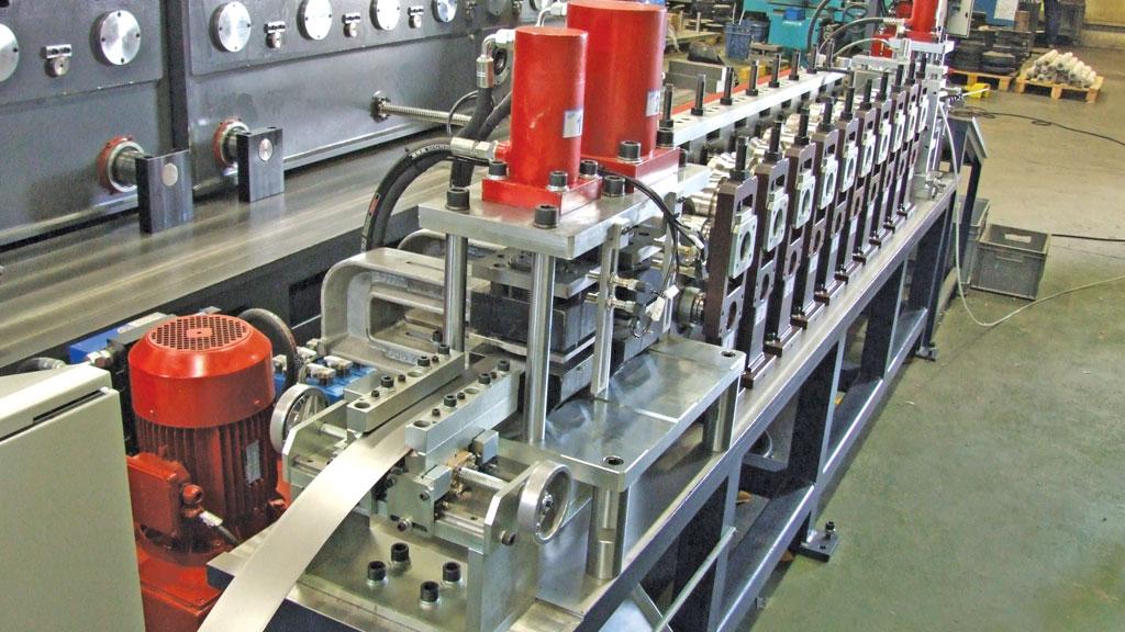metal-kapi-cerceve-imalat-makinesi