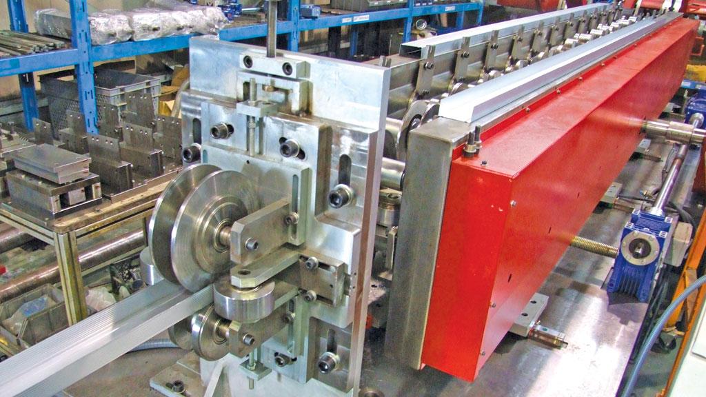 pvc-pencere-alcipan-tavan-metal-profil-uretim-makinasi